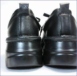 プッツ  put's靴 pt8480bl  ブラック  カカトの画像