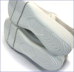 put's  プッツ靴   pt9304ok  オークパール 底画像